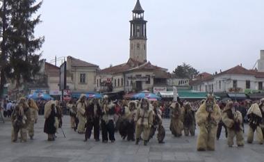 Mbi një mijë të maskuar morën pjesë në karnavalin e Prilepit