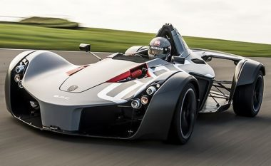 McLaren, Ferrari dhe Porsche po sfidohen nga një kompani që prodhon makina për gara (Foto)