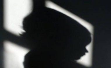 Nëna e raportoi të birin kanibal, që kishte mbytur shtatëvjeçarin dhe po ia hante trupin (Foto)