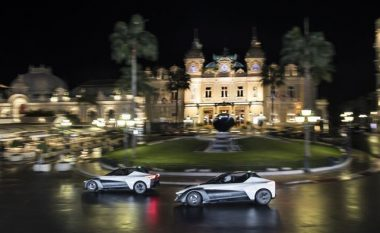 Nissan prezanton makinën elektrike BladeGlider, duke lëvizur nëpër Monako (Video)