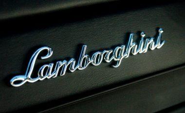 Parkon Lamborghinin në vendin e rezervuar për kryetarin e komunës, dënohet disa herë (Foto)
