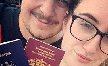 Ra në dashuri në Facebook, fluturoi 20 orë për takim (Foto)