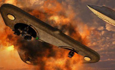 """Raporti i CIA-s: Ushtarët rusë shkatërruan një UFO e më pas """"u kthyen në gurë""""! (Foto)"""