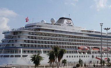 Njëmijë turistë arrijnë në Sarandë me anije gjigante, Shqipëria synon sivjet rekorde në turizëm