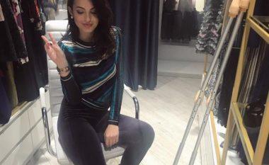 Armina Mevlani zbulon se si e ka lënduar rëndë këmbën (Foto)