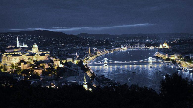 Budapesti – Aq afër, por edhe aq larg