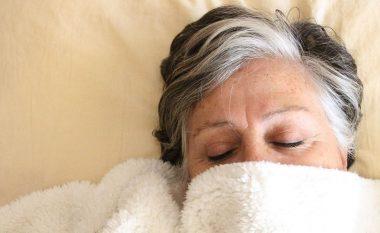 Gjumi i tepërt mund të jetë shenjë e hershme e demencës