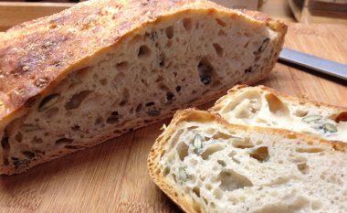 Bukë e zezë apo e bardhë: Zgjidhet dilema, cila është më e shëndetshme