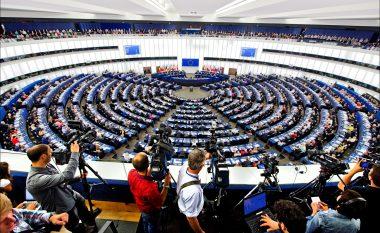 PE: Të themelohet menjëherë Asociacioni në Kosovë