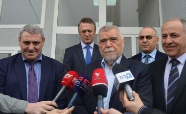 Ish-presidenti kroat viziton FFK-në: Ishte kënaqësi ta takoj Vokrrin