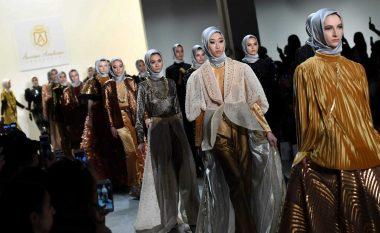 Surprizë në Javën e Modës në Nju-Jork: Në pistë kanë defiluar vajzat me hixhab (Foto, Video)
