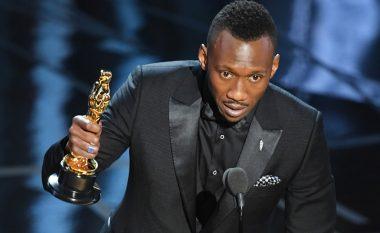 """Gabojnë edhe në Oscars, shpallin fituesin gabimisht! """"Moonlight"""" është Filmi më i mirë (Foto)"""