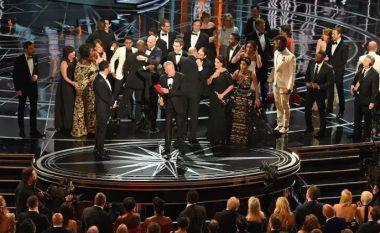 Shpallja e gabuar e fituesit për filmin më të mirë, dështimi më i madh në histori të Oscar! (Video)