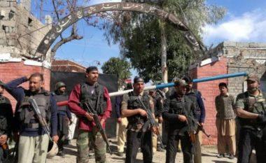 Sulm vetëvrasës në Pakistan, katër të vrarë