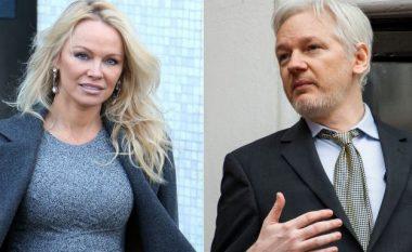 Pamela: Ëndërroj që Assange të bëhet lider botëror, ndërsa unë zonja e parë