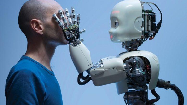 A meritojnë robotët të kenë të drejta dhe çfarë do të ndodhë me njerëzimin kur makineria bëhet me ndërgjegje? (Video)