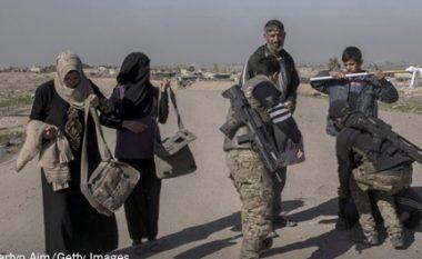 Ushtria qeveritare rimerr aeroportin e Mosulit nga duart e ISIS