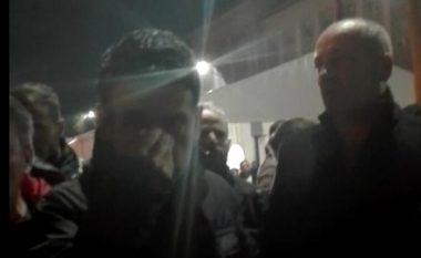Spahiu: Më goditën që të mos e shajë Ramën; Militanti i PD-së: E godita Spahiun sepse më ofendoi! (Video)