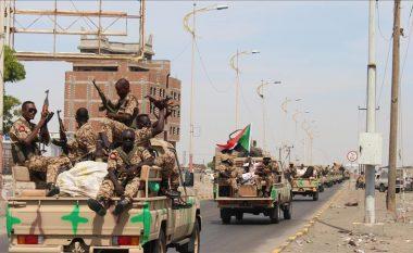 Sudani liron regjisorin çek të akuzuar për spiunazh