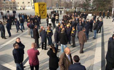 Protesta e punëtorëve të Postës (Live-Video)