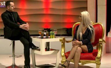 Xhesika Ndoj refuzon të këndojë 'live' në emision, inatoset e përdor fjalë banale (Video)