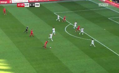 Gerrard 'gati e theu shtyllën' me këtë gjuajte të fuqishme në takimin e legjendave ndaj Realit (Video)