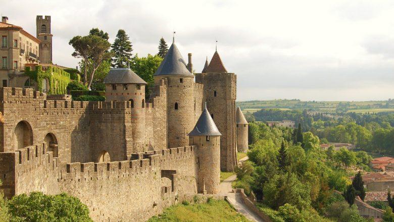 Carcassonne në Francë, ndër qytetet më të bukura mesjetare (Video)