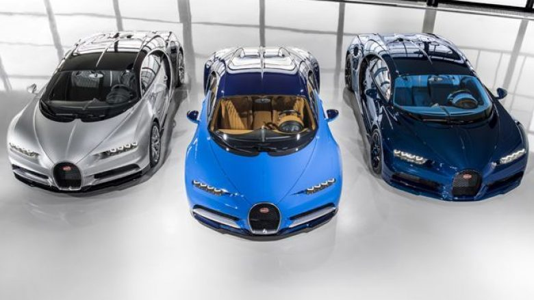 Kryhen dërgesat e para të Bugatti Chiron (Video)