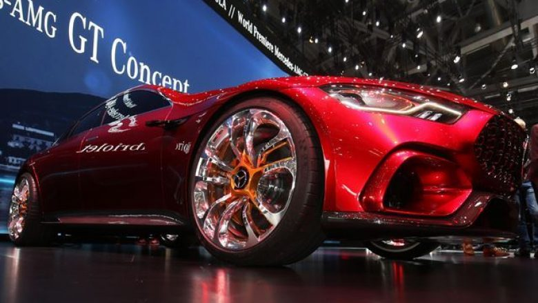 Mercedes-AMG GT me katër dyer, lansohet gjatë vitit që vjen (Foto)