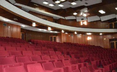Revoltohen aktorët e Teatrit të Tetovës për mungesën e shfaqeve, arsyetohet drejtori Aziri