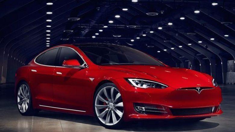 Tesla largon nga prodhimi Model 3, që e ka çmimin më të lirë (Foto)