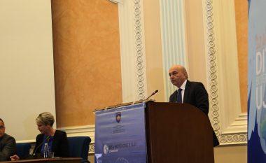 Mustafa: Uji, parakusht themelor për zhvillim të qëndrueshëm