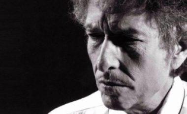 "Bob Dylan prezanton albumin e ri dhe deklaron: ""Isha fans i Amy Winehouse"""