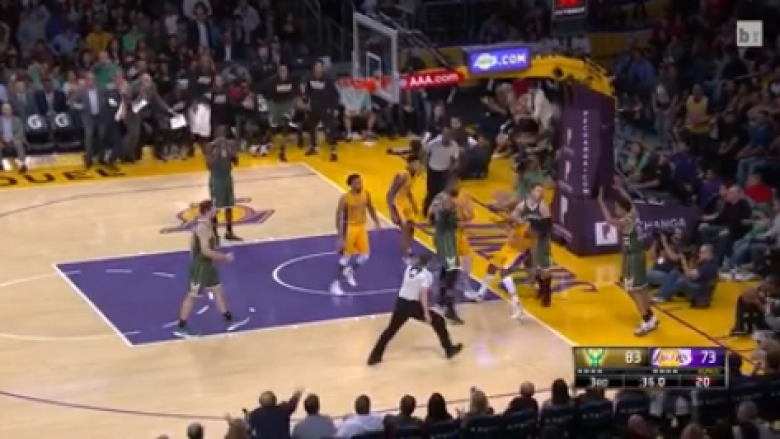 Përleshje në ndeshjen Lakers – Bucks, përjashtohen tri lojtarë (Video)