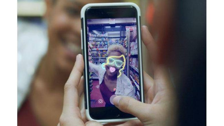 Facebook lëshon tiparin e SnapcChat, Stories!
