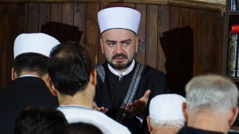 """Akuza për familjen ortodokse serbe që u konvertuan në myslimanë: """"E shitët fenë për një darkë""""!"""