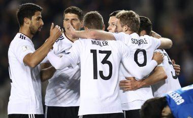 Gjermania vazhdon 'sundimin' në Grupin C (Video)