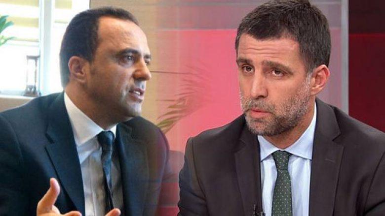 Galatasaray i bindet ministrit të Erdoganit, përjashton legjendat e klubit (Foto)