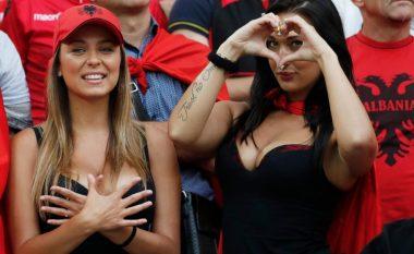 Tifozja seksi e kombëtares shqiptare: Nëse fitojmë kundër Italisë, i heq të gjitha rrobat