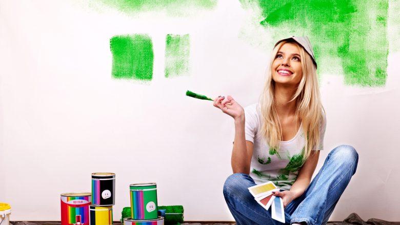 Nëse e dëshironi antidepresivin më të mirë, ngjyroseni dhomën në…