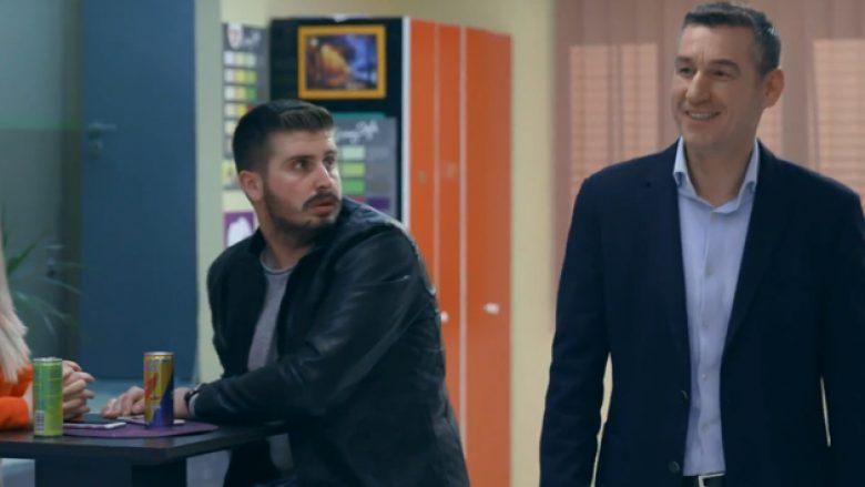 """Kadri Veseli befason me vizitën në episodin e 101 të """"O Sa Mirë"""", kryeparlamentari qesh me lot gjatë xhirimeve (Video)"""