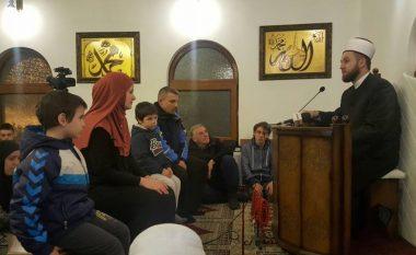 Familja ortodokse serbe nga Beogradi pranon fenë islame (Foto)