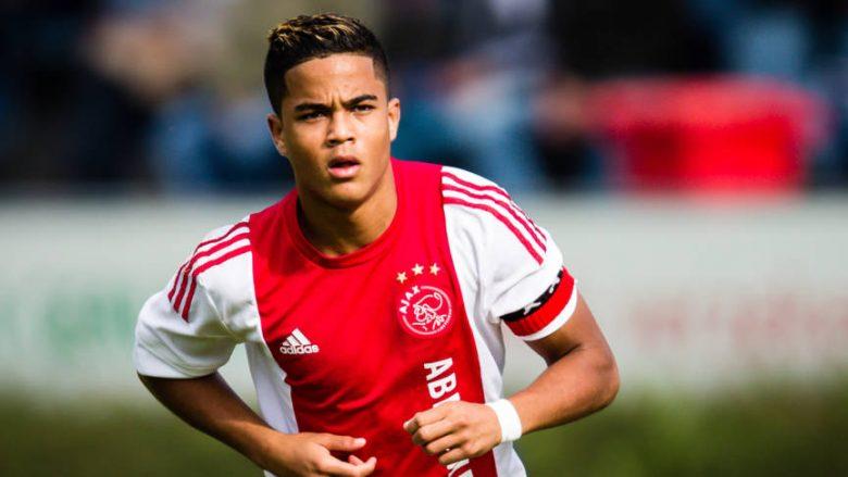 Djali i Patrick Kulivert shënon golin e parë për Ajaxin (Video)