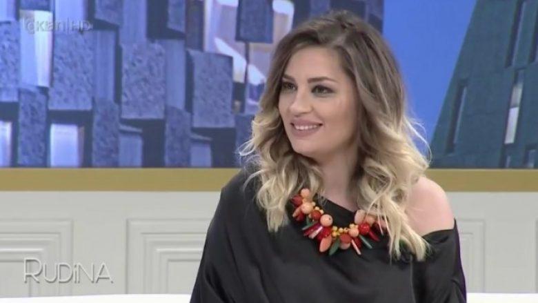 Rozana Radi më nuk e fsheh, rrëfen historinë e dashurisë (Foto/Video)