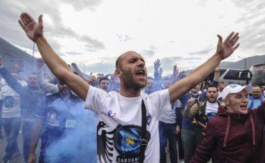 Rreth 20 autobusë me tifozë të flaktë të Kosovës drejt Shkodrës