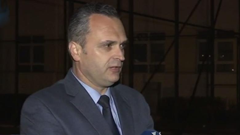 Drejtori i shkollës në Pejë tregon si u vodhën 19 ditarët