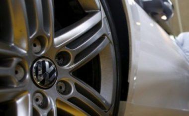 """Volkswagen"" po i mbledh automjetet problematike dizel në SHBA (Video)"
