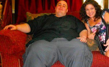 Pasi humbi punën dhe të dashurën, fitoi 195 kilogramë - sot është trajner fitnesi dhe të gjithë ia kanë lakmi për muskujt (Foto/Video)