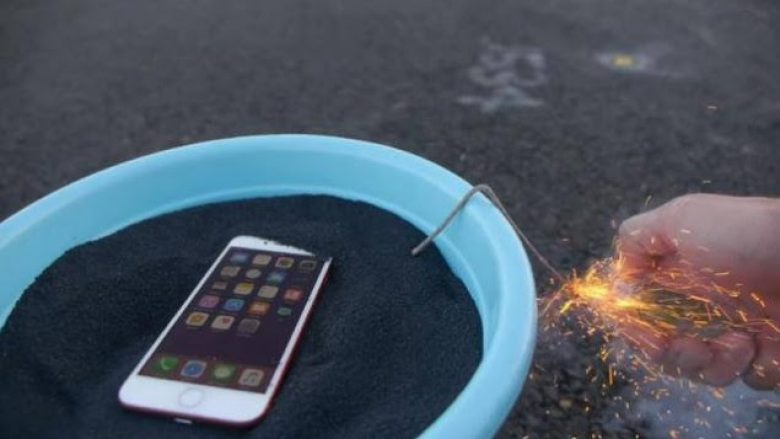 iPhone 7 i kuq në testin e zjarrit (Video)