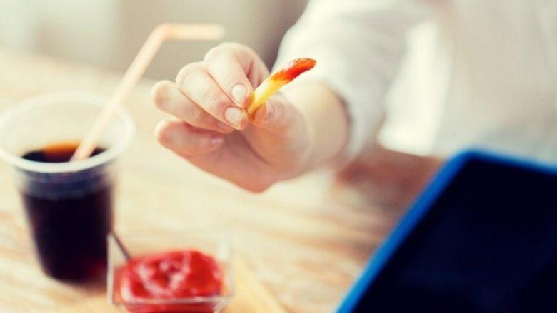 A e keni ditur se këto ushqime dhe pije shkaktojnë ankthin?